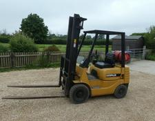 CAT 18 GAS FORK LIFT 2 STAGE MAST