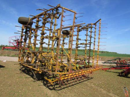 No DAVID MORETON 30ft (9.5 metre) Trailed Heavy duty Pigtail cultivator