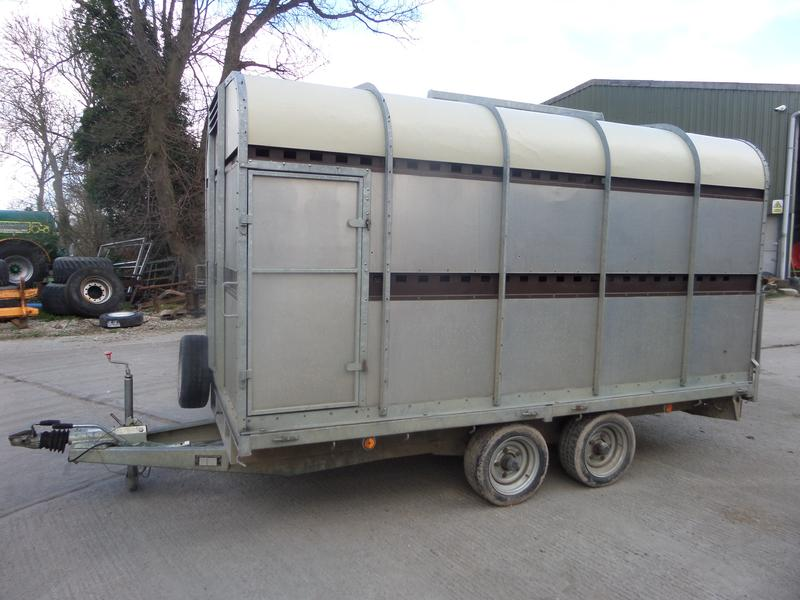 bateson 12FT LIVESTOCK TRAILER