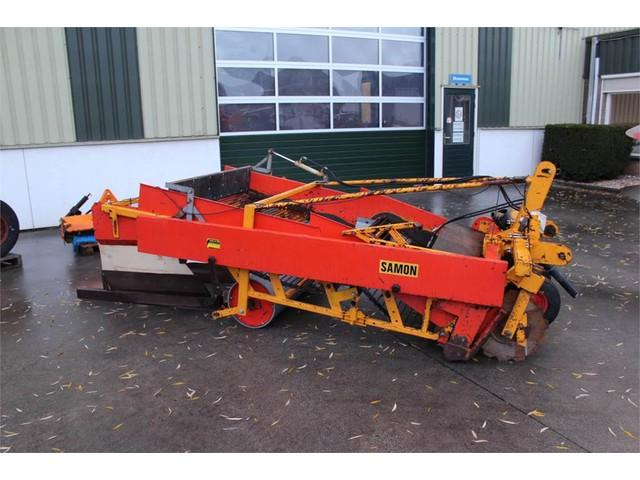 Samon Onion harvester / uienrooier